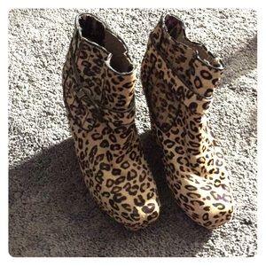 Beaten johnson cheetah boots